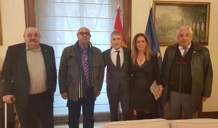 Los_policias_jubilados_con_Grande-Marlaska