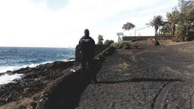 Un_Guardia_Civil_custodia_La_Mareta