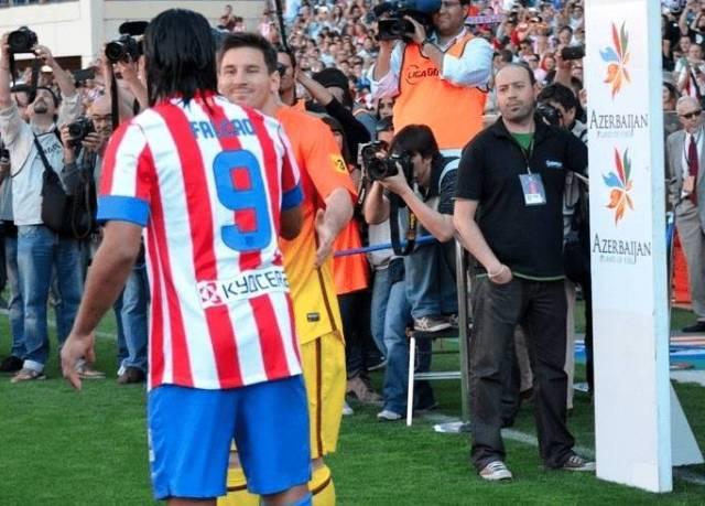 Falcao_contra_el_BarAa_Messi