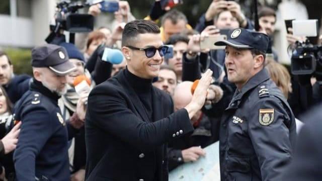 Cristiano_Ronaldo_en_la_Audiencia_Provincial_1