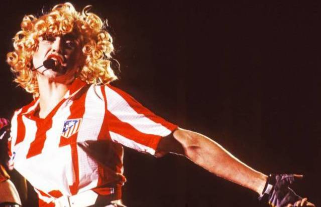 Madonna_con_la_camiseta_del_Atleti