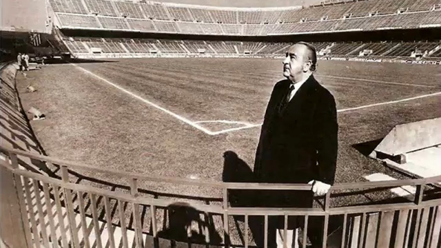 Vicente_Calderon_en_su_estadio
