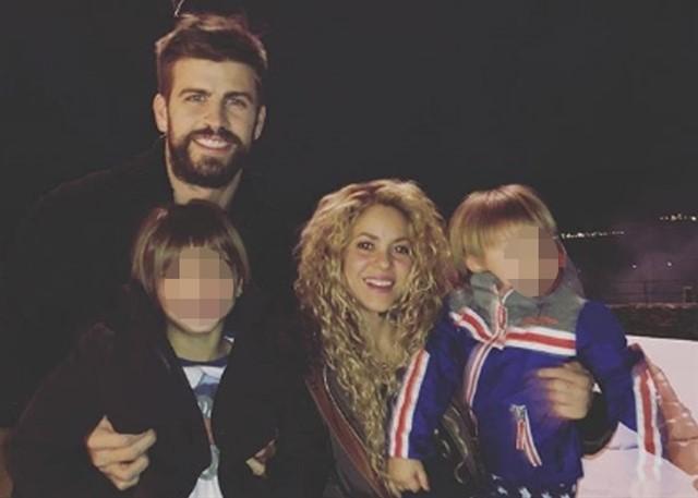 Pique_y_Shakira_con_sus_hijos