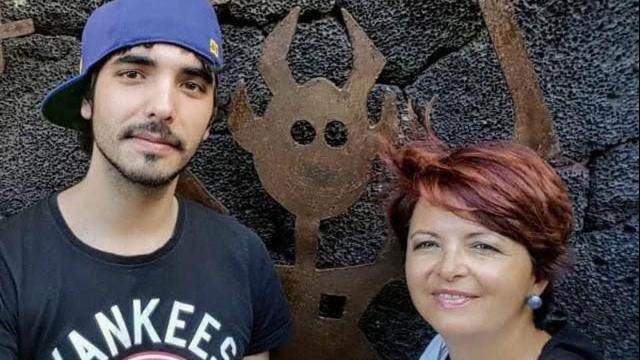 Pedro_con_su_madre_Marta