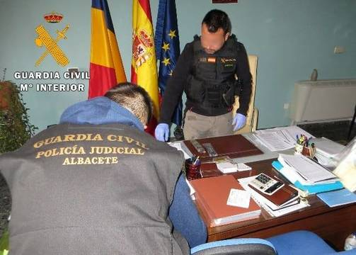 La Guardia Civil en uno de los registros