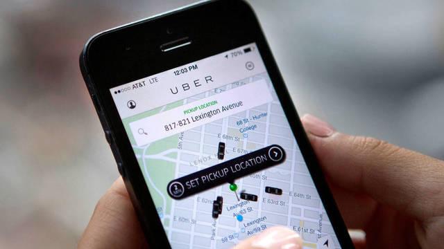 Usuario solicitando Uber