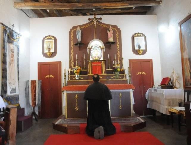 sacerdote pene)