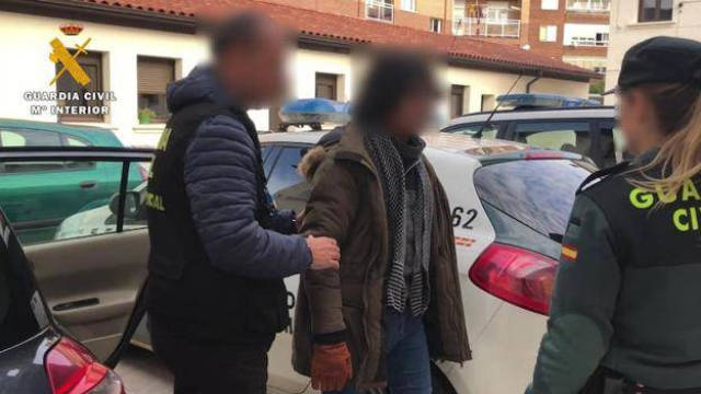 La Guardia Civil ha desarticulado a una red que se dedicaba a estafar ancianos con productos sanitarios