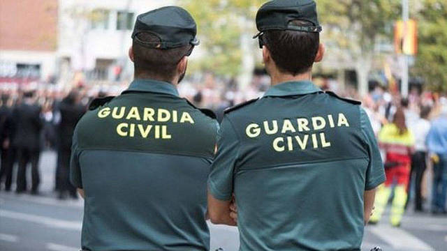 Una pareja de la Guardia Civil.