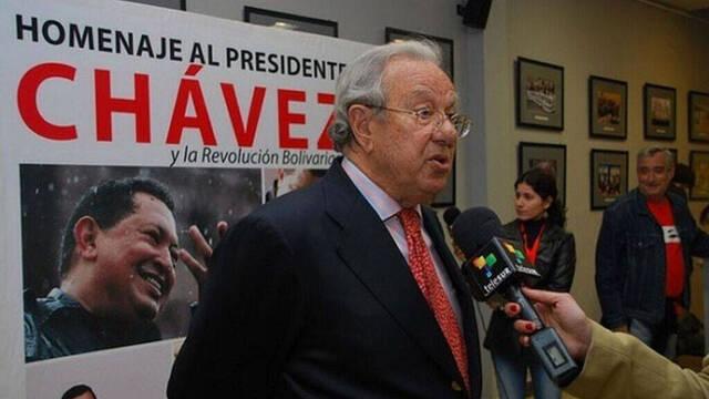 Morodo en un homenaje al extinto Hugo Chávez.